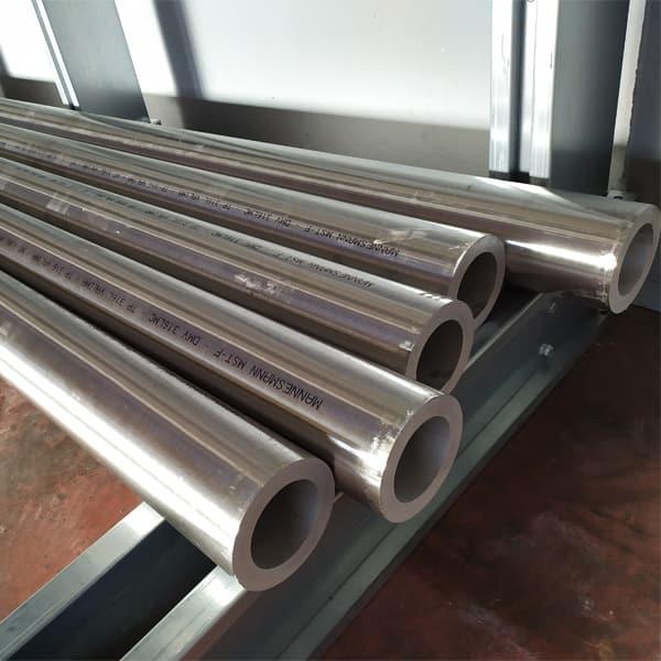 Barre forate in acciaio inox
